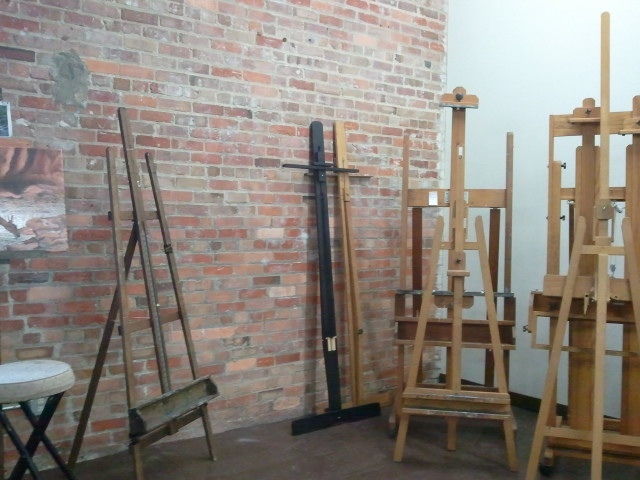 empty easels